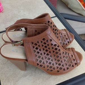 New CL by Laundry Brown Open Toe Size 9